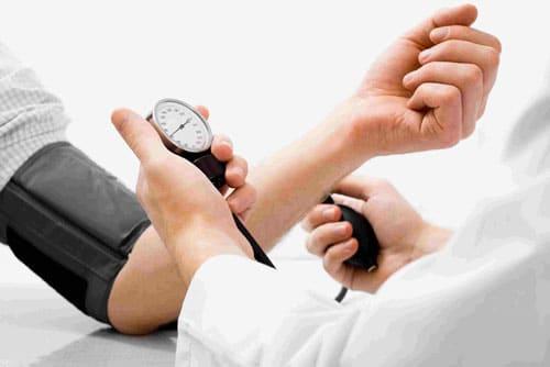 Tăng huyết áp lành tính là gì?
